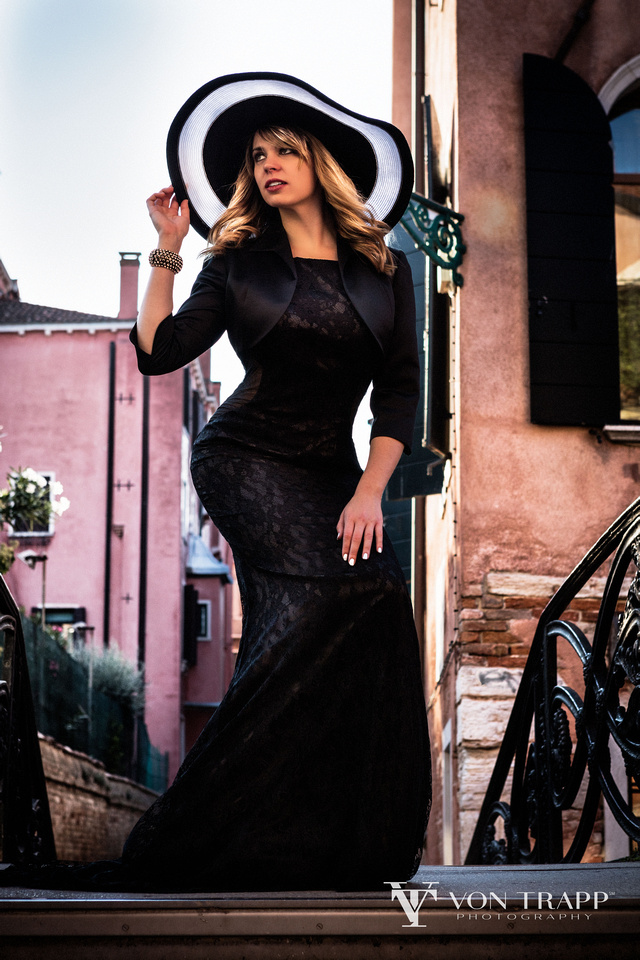 Austin Boudoir, Glamour and Fashion Photographer on location in Venice Italy.