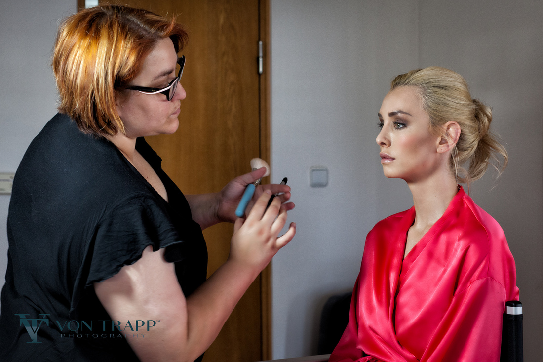 Behind the Scenes image durning a Prague fashion glamour shoot.