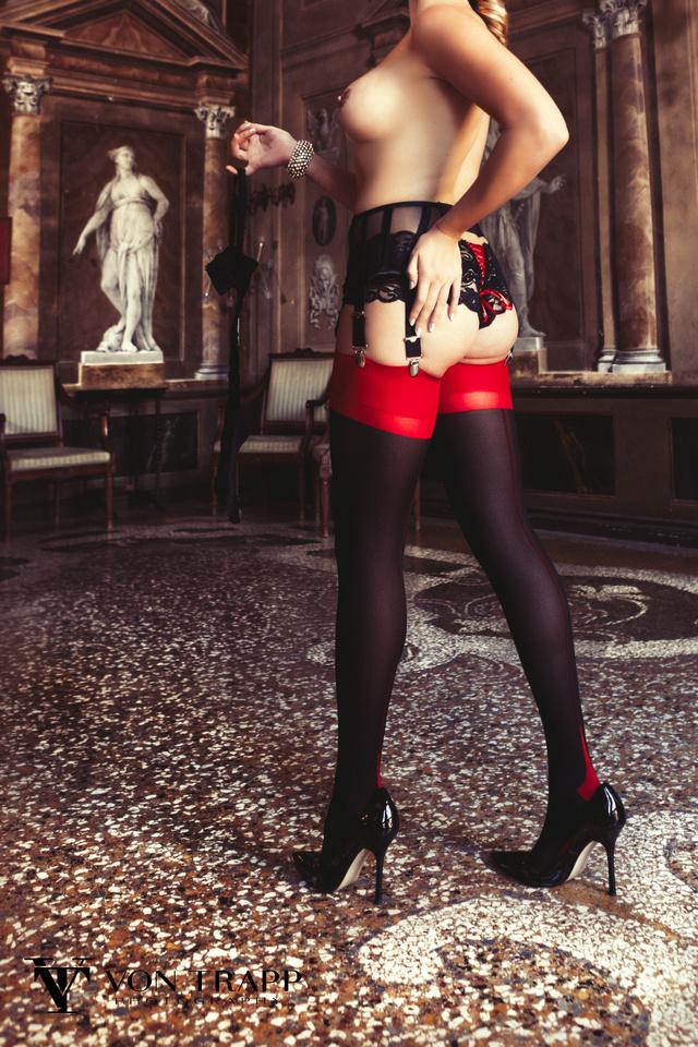 Austin-Houston Boudoir Glamour Fashion Photographer. Fashion Editorial Photograph taken in Venice Italy. Sexy Boudoir Glamour photography.