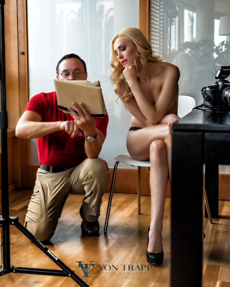 Behind the Scenes image durning a Prague sexy fashion glamour shoot.