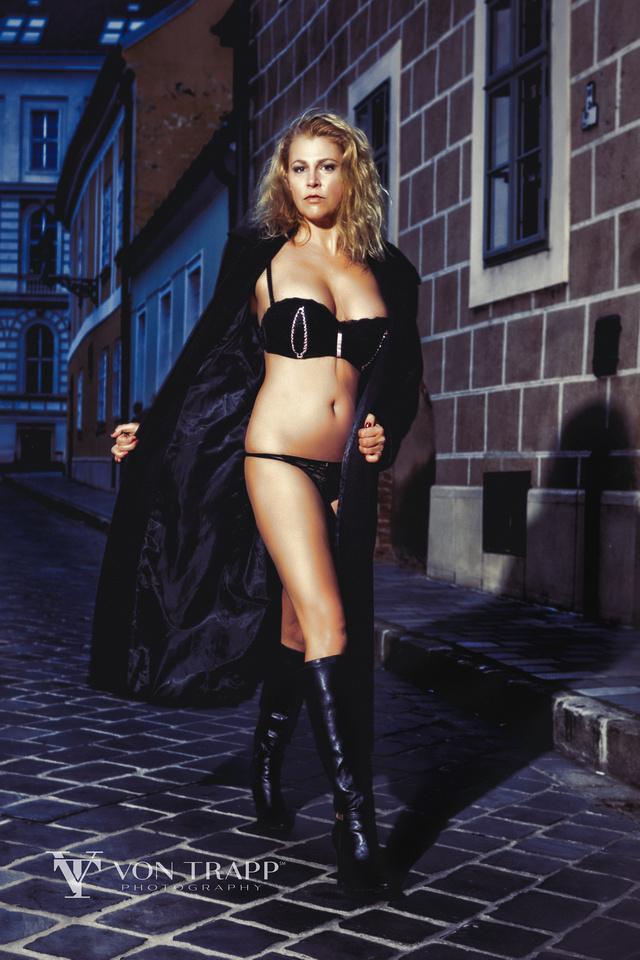Lingerie glamour photo taken on a Budapest street.